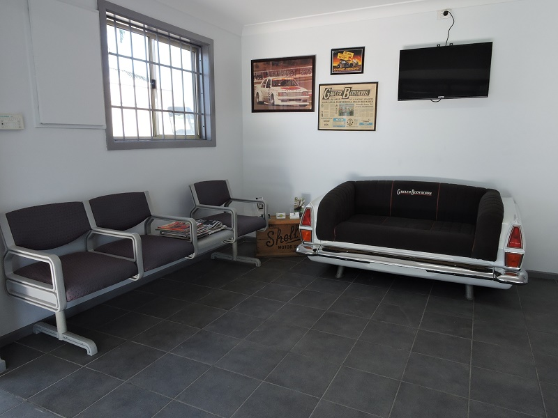 gawler-body-works-rapair-service-waiting-area