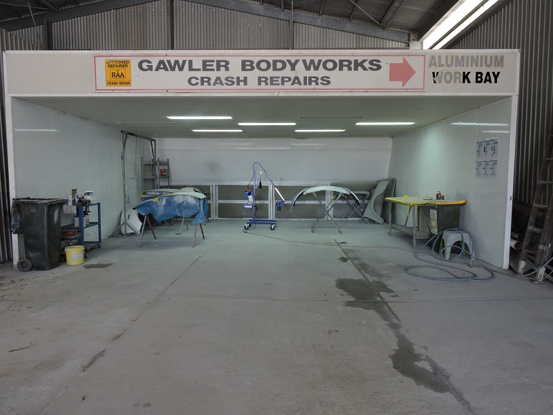 gawler-body-works-repair-service-workshop-repair-station